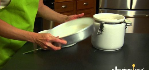 How to Prep a Cake Pan