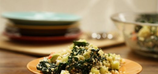 Vegetarian Recipes – How to Make Kale, Quinoa and Avocado Salad